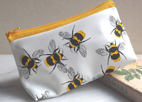 bees make up bag